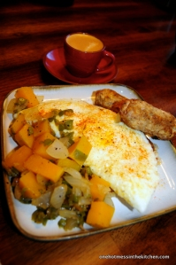 Fried egg with garlic and bell pepper, turkey sausage, an oat-bran pancake and butternut home-fries.  Finished off with espresso and we're ready to go!!